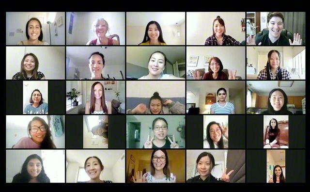 カナダでは25日、男女青年部がそれぞれ、結成記念日を祝うオンラインの集いを実施。185人が参加した女子部の集いでは、活動報告が行われ、オオグシ女子部長が、池田先生の同国初訪問から60周年の佳節を刻む本年10月へ、一人一人が自身の課題や目標を達成しようと呼び掛けた