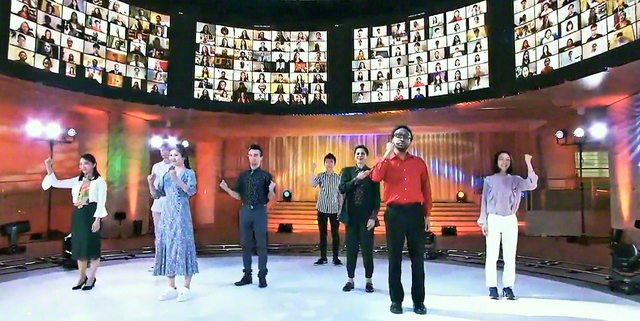 各国の青年部の友がオンラインで参加し、混迷の闇を打ち払う「希望と勇気の波動」を広げることを誓い合った世界青年部総会(昨年9月、東京・新宿区の創価文化センターで)