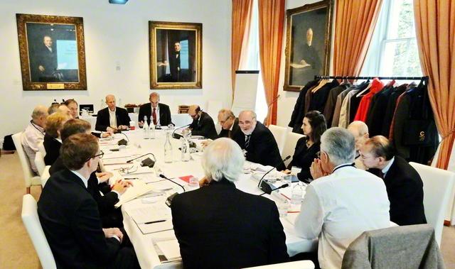 2017年11月、戸田記念国際平和研究所などが主催し、イギリスのロンドンで行われた国際会議。対話や協力を通じた「協調的安全保障」を巡る討議のほか、核兵器禁止条約とNPTの二つの条約が補完し合う点などを巡って活発に意見が交わされた