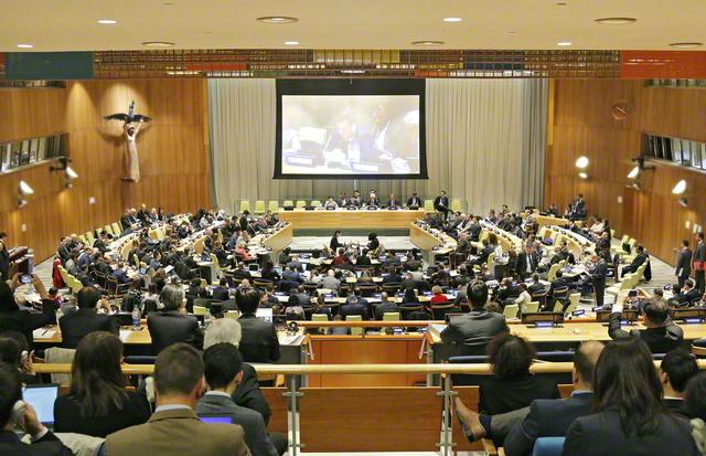 2019年4月から5月にかけて国連本部で開かれたNPT再検討会議の第3回準備委員会。各国政府による一般討論のほか、市民社会からの意見表明が行われる中、SGIの代表が「核兵器を憂慮する宗教コミュニティー」の共同声明を発表した