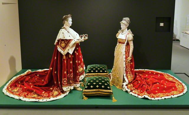 アトリエ・ブロカール制作 1993~95年 フランス シルクサテン、シルクベルベット、金糸、金モール、オコジョとウサギの毛皮、銀、ジルコン他