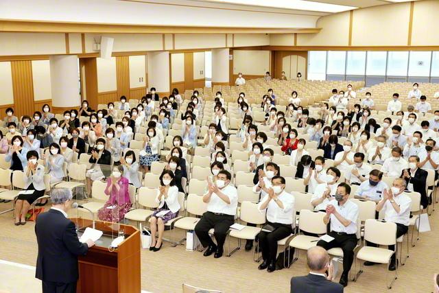 新たな「東京凱歌」の歴史を築いた「感激の同志」のスクラム、万歳! 原田会長が出席して開催された総東京総区長会(金舞会館で)