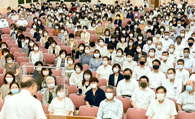 勇躍前進する総茨城の創価家族(茨城文化会館で)