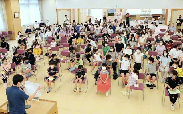 神奈川・麻生勇勝区の大会。会場には、未来部の各種コンクールを応援する教育部のコーナーなども設けられた(麻生文化会館で)
