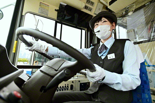 「後輩たちの道を開くのが私の使命です」と増田さん。女性運転手を応援してくれる会社への感謝は尽きない