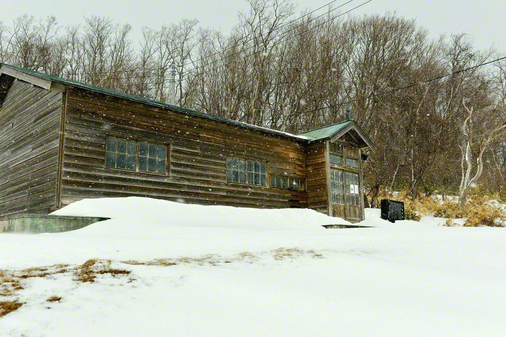 まだ雪深い今年の2月。石狩市の厚田公園には戸田城聖第2代会長の旧家が移設されている