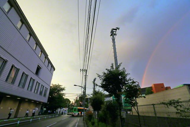 巣鴨の東京戸田記念講堂にも虹がかかった